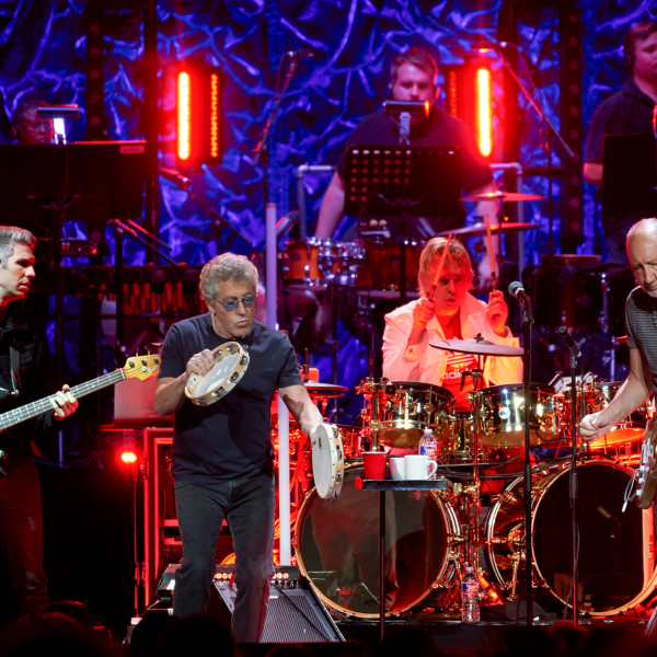 The Who abruptly cancels midway through electric Toyota Center show