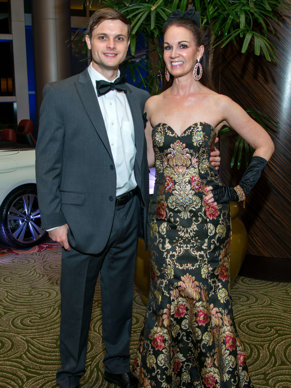 Houston, Women of Distinction fashionable gowns, Feb 2017, Kyle Hanson, Beth Muecke