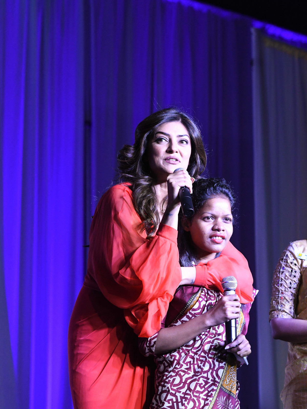 Pratham Gala, Sushmita Sen took over translating duties for Sanjana Das