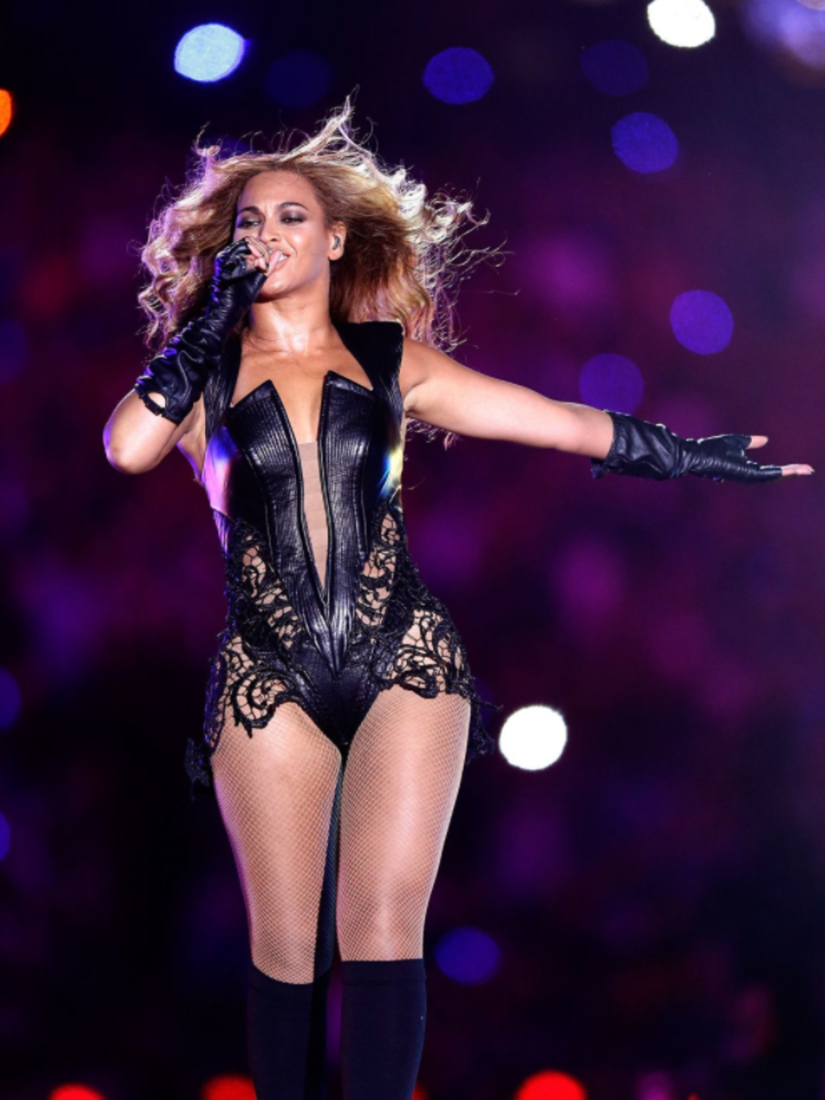 Beyonce in Rubin Singer outfit at 2013 Super Bowl