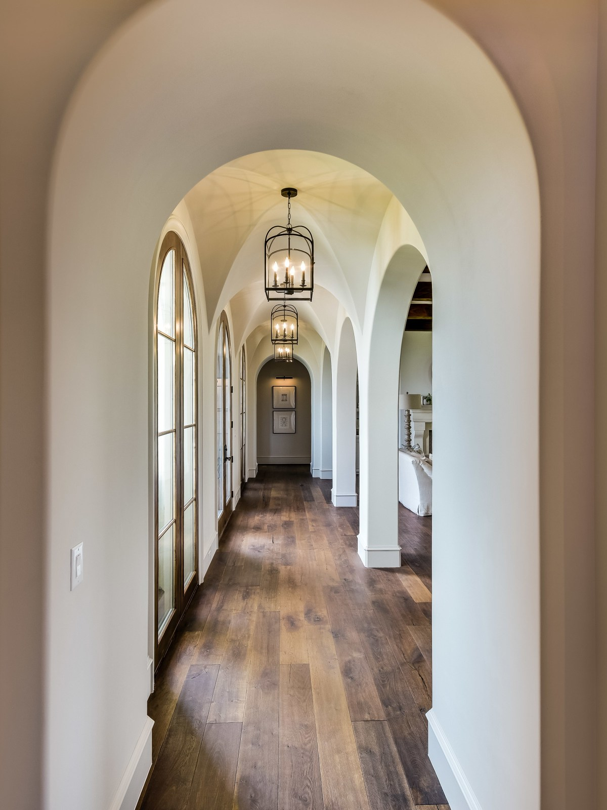 5709 Spanish Oaks Club Austin house for sale hallway