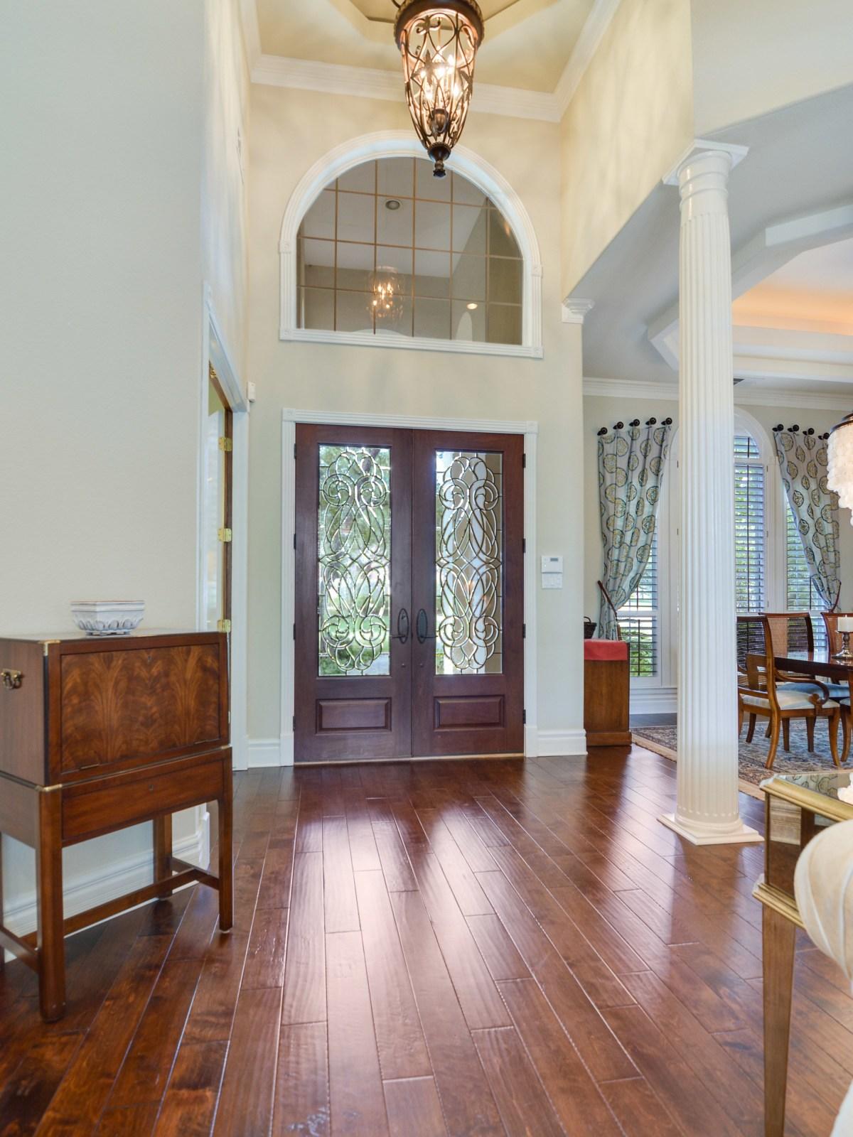 226 Post Oak Way San Antonio house for sale entryway