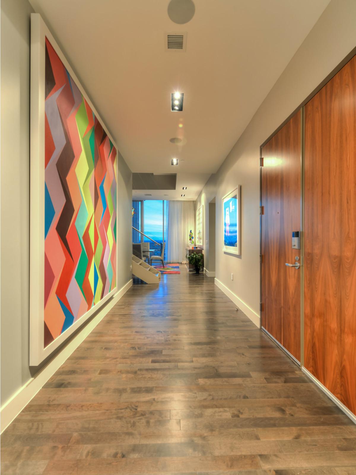 610 Market St San Antonio condo for sale hallway