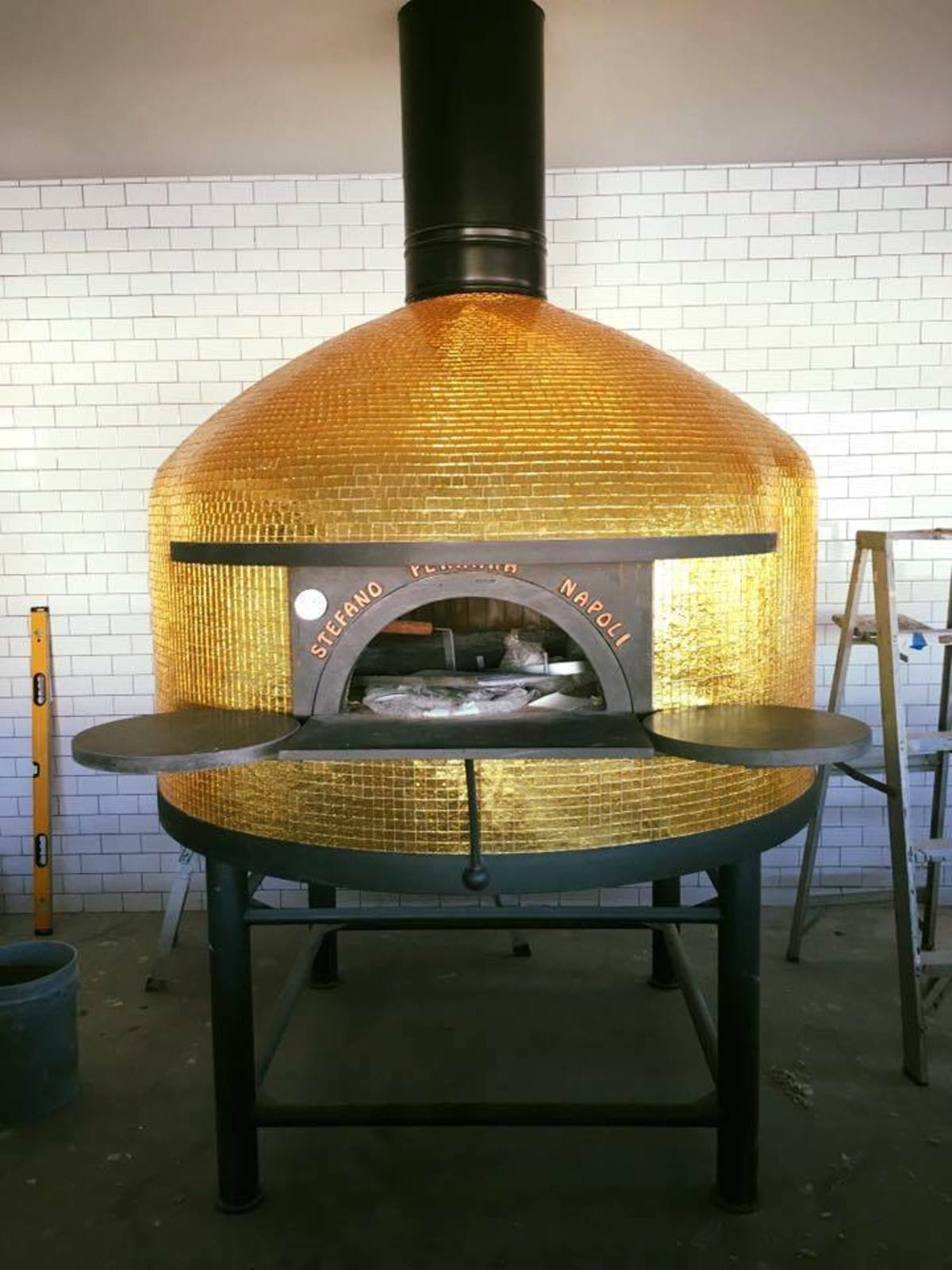 Cane Rosso Heights gold pizza oven