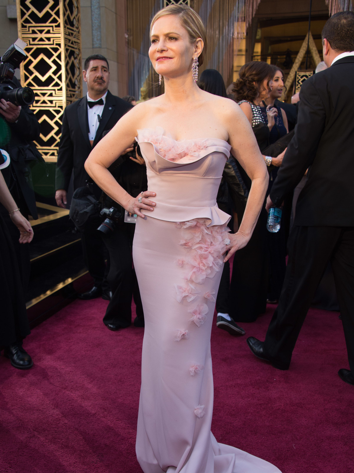 Jennifer Jason Leigh at Oscars
