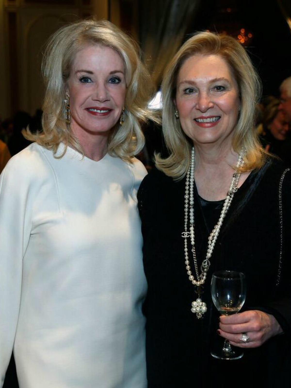 Beverly Nichols, Peggy Sewell