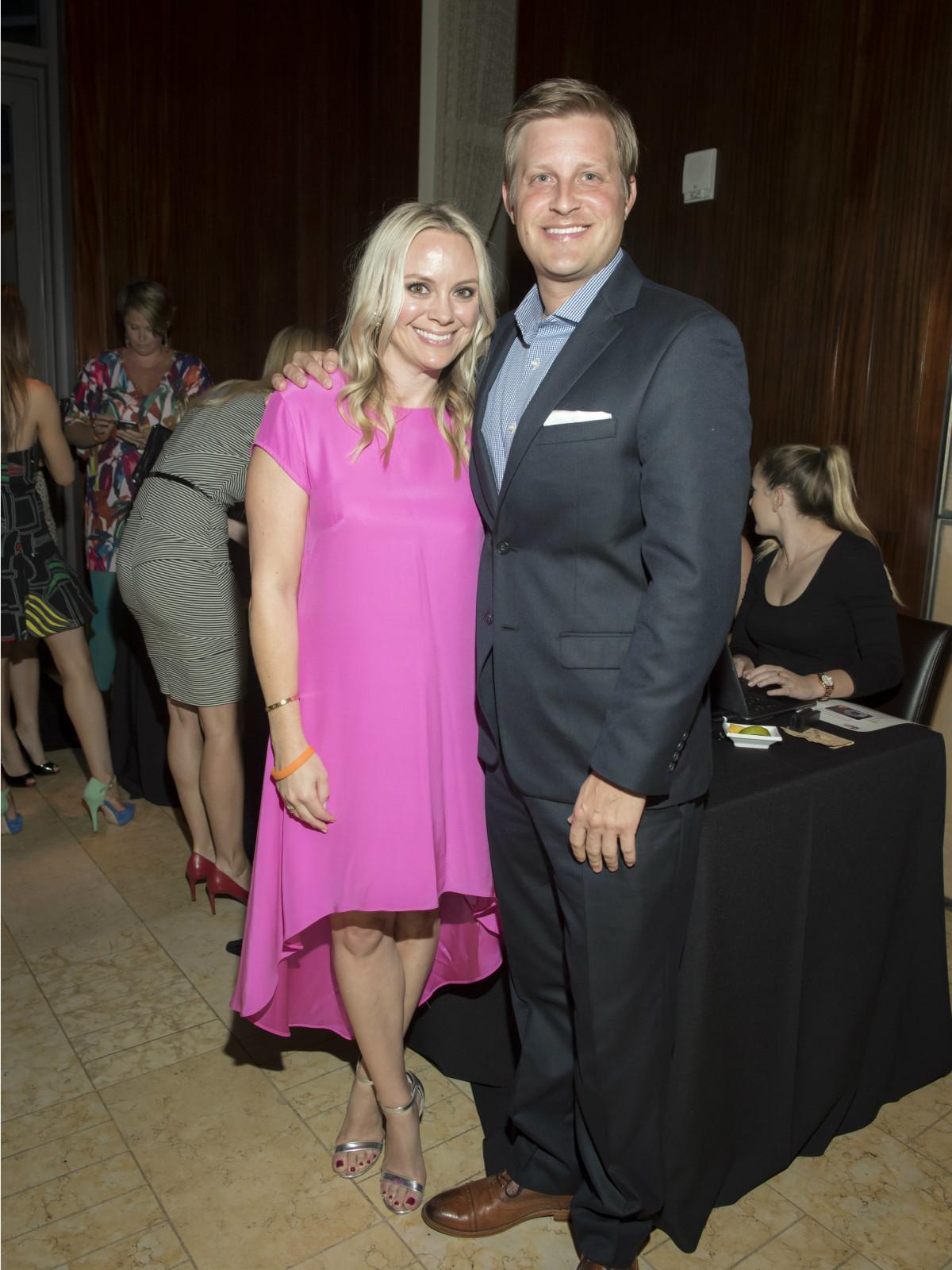 Heidi Benda, Chris Leathers