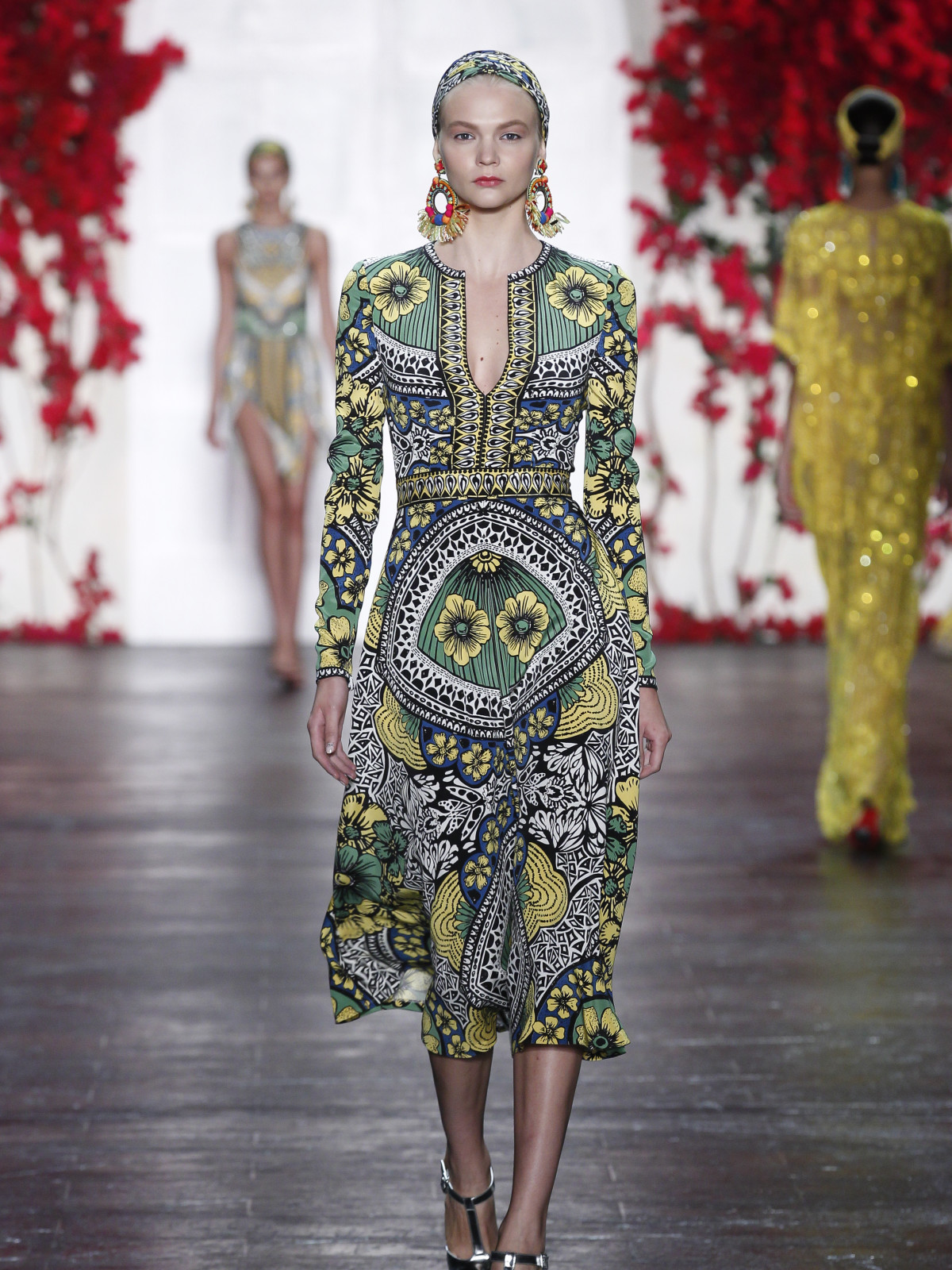 Naeem Khan spring summer 2016 collection look 19
