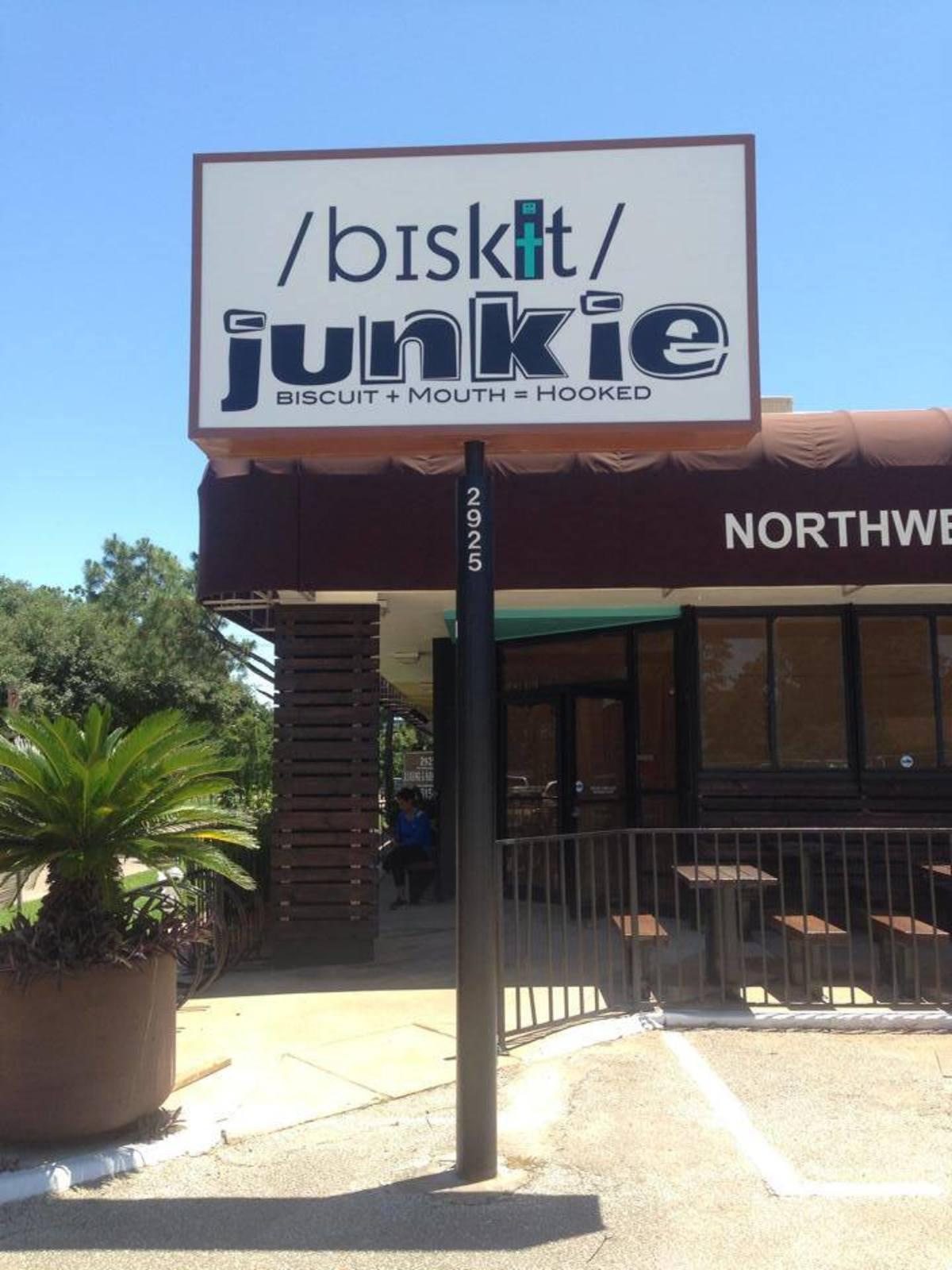 Biskit Junkie sign