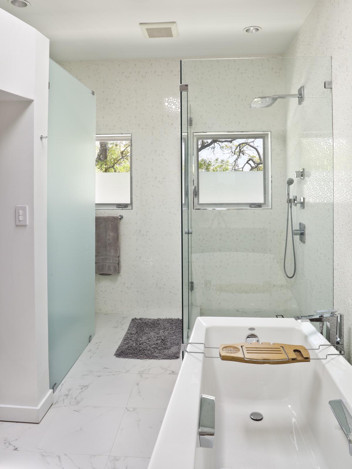 Porch.com Collaborative Designworks bathroom