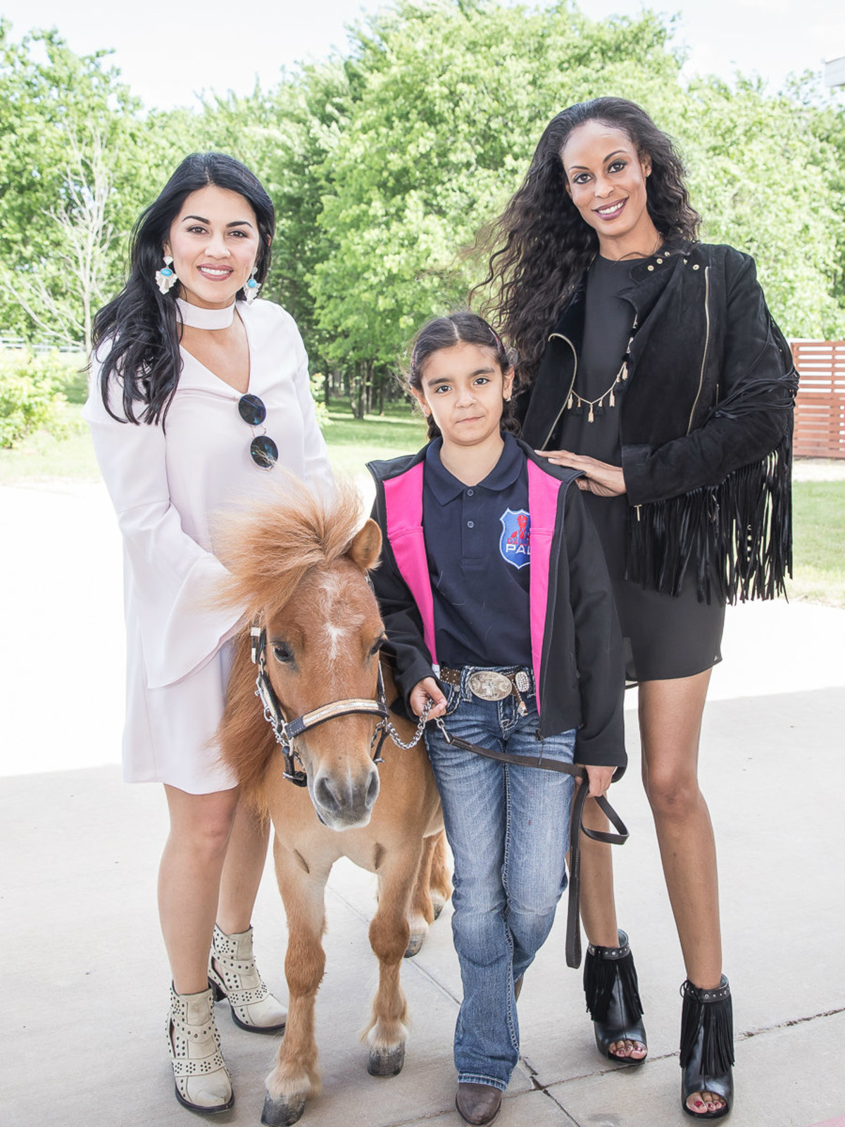 Alanna Smith, Gabriela Guerra, Deve Sanford