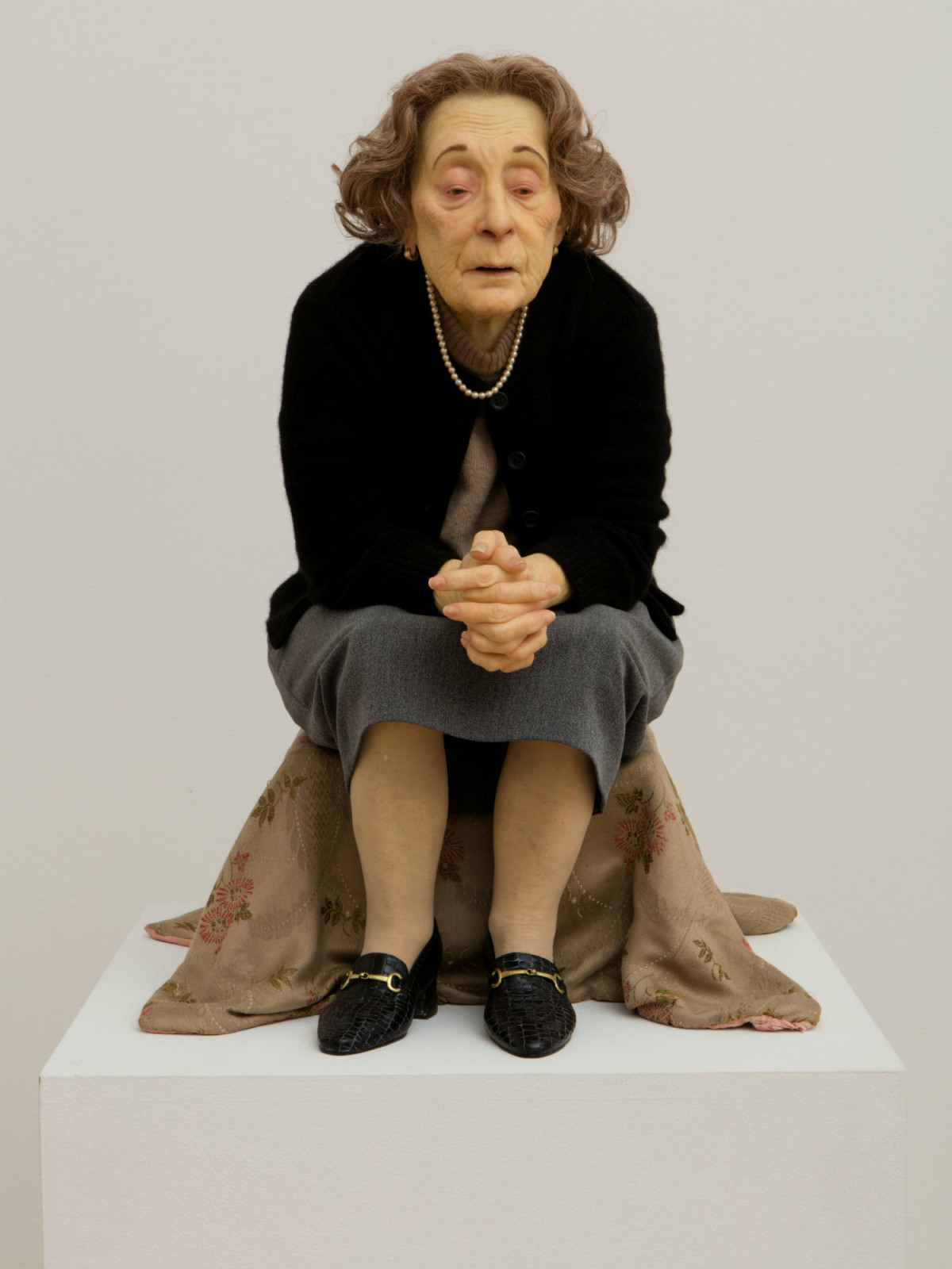 Ron Mueck: Untitled (Seated Woman)