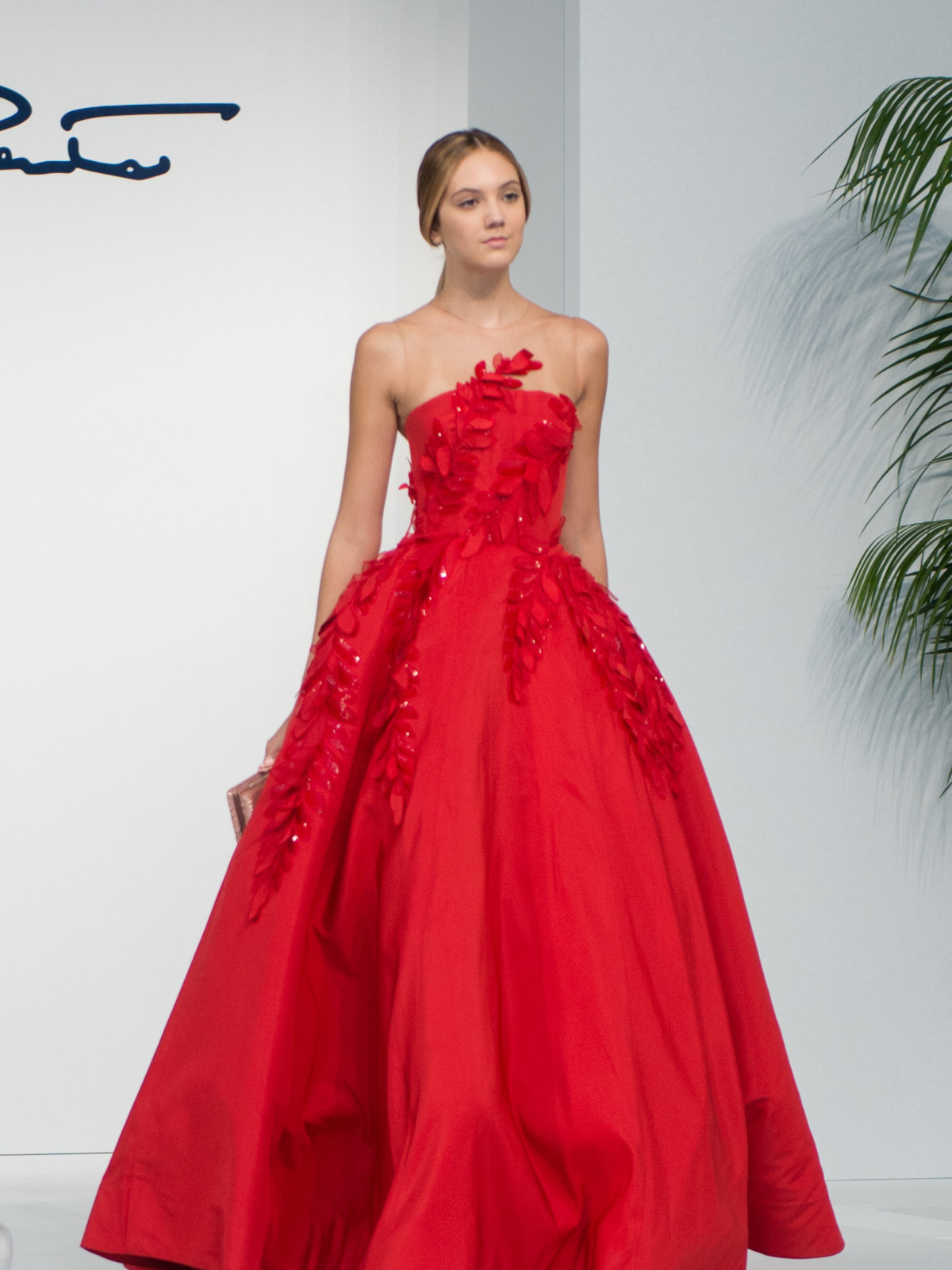 Oscar de la Renta 2018 resort collection red gown