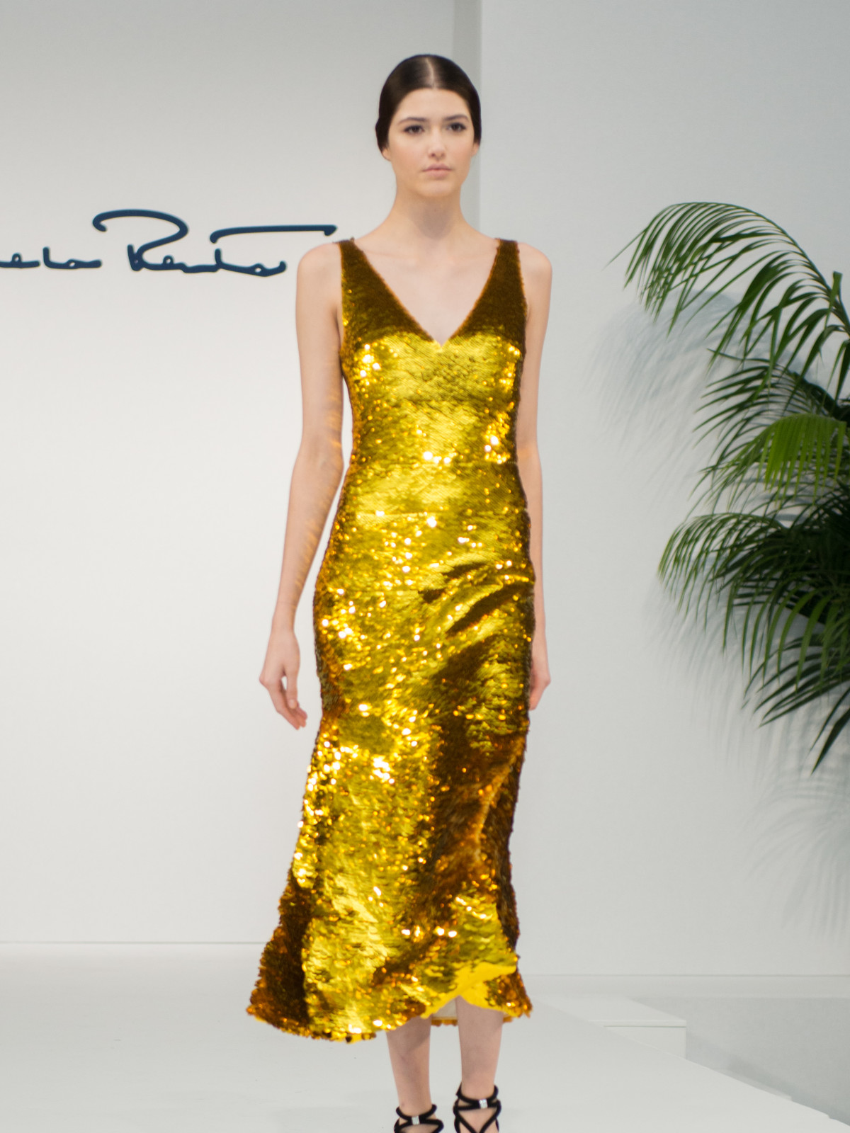 Oscar de la Renta 2018 resort collection gold gown