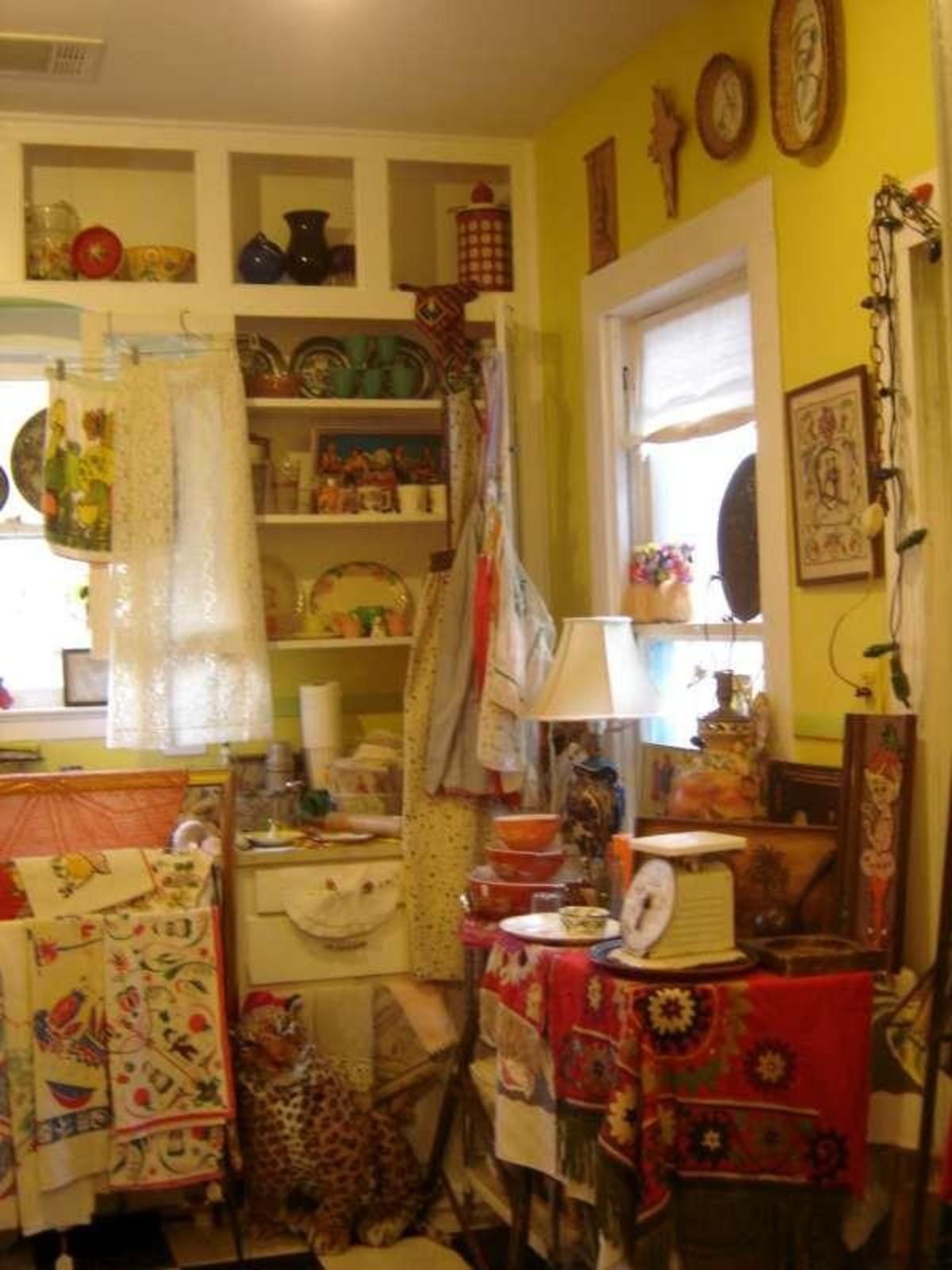 Austin Photo: Places_shopping_flashback_vintage_kitchen