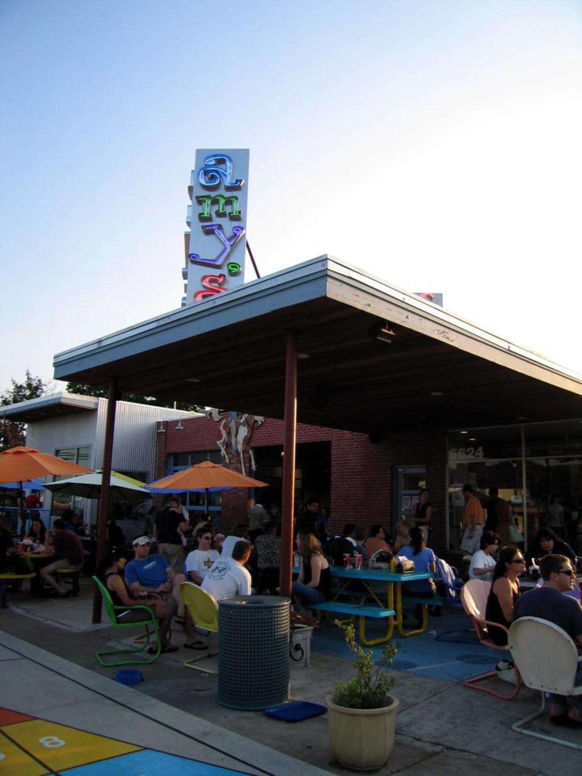 Austin_photo: places_food_amys_ice_cream_exterior