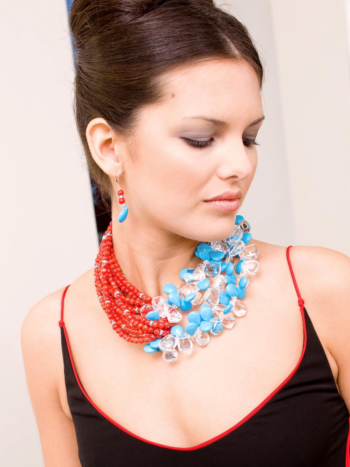 News-Baroness Elizabeth jewelry 1