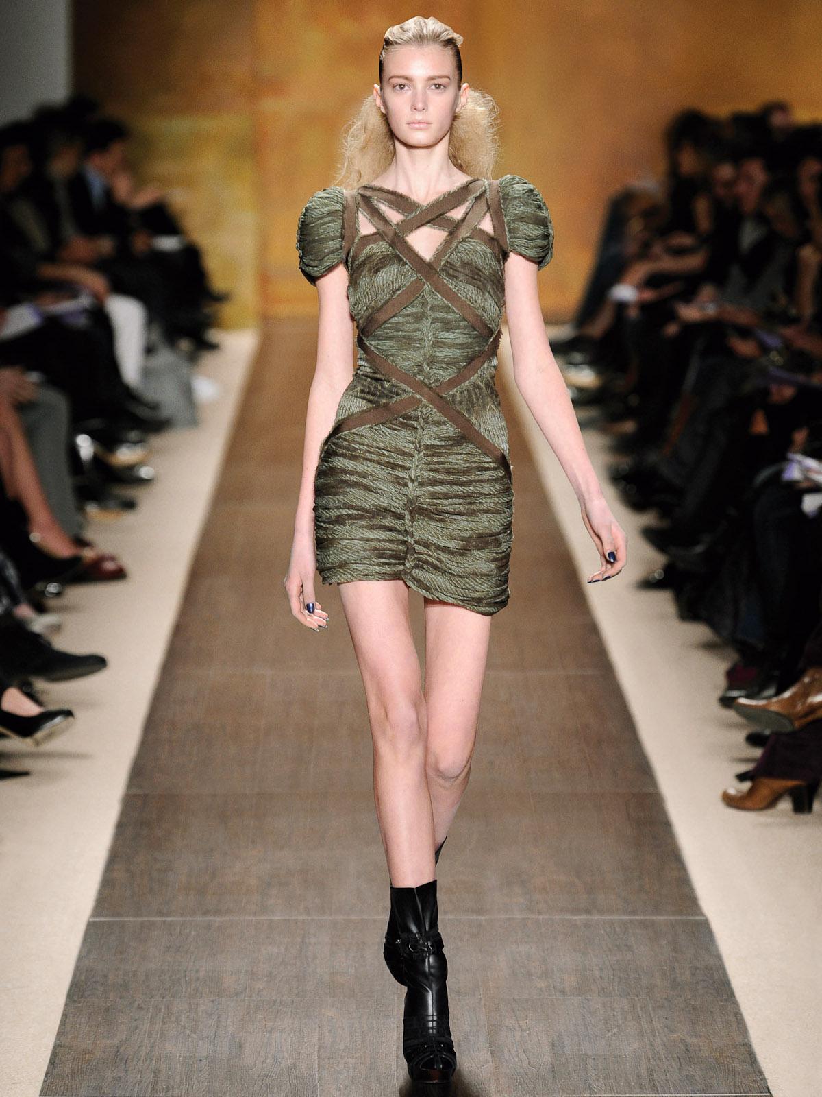 News-Hever Leger-Fall Fashion 2009-runway