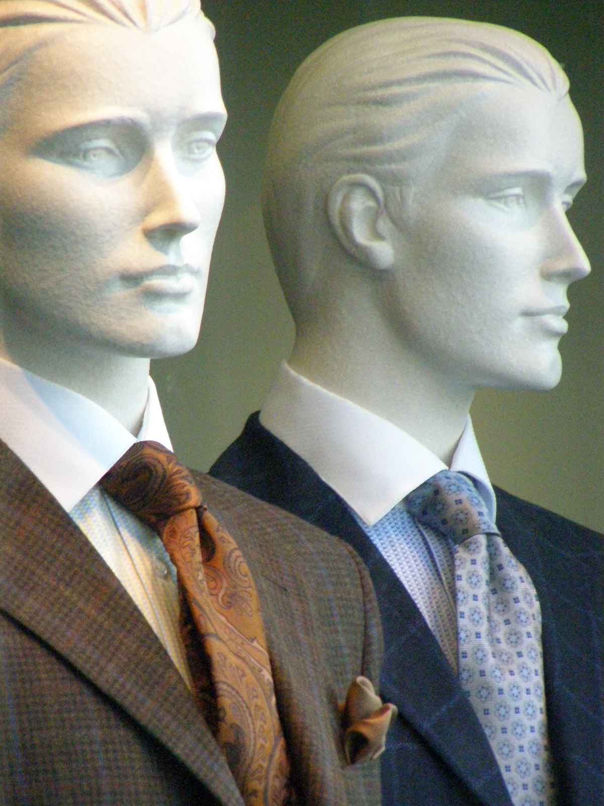 Places-Shopping-Festari for Men manniquins