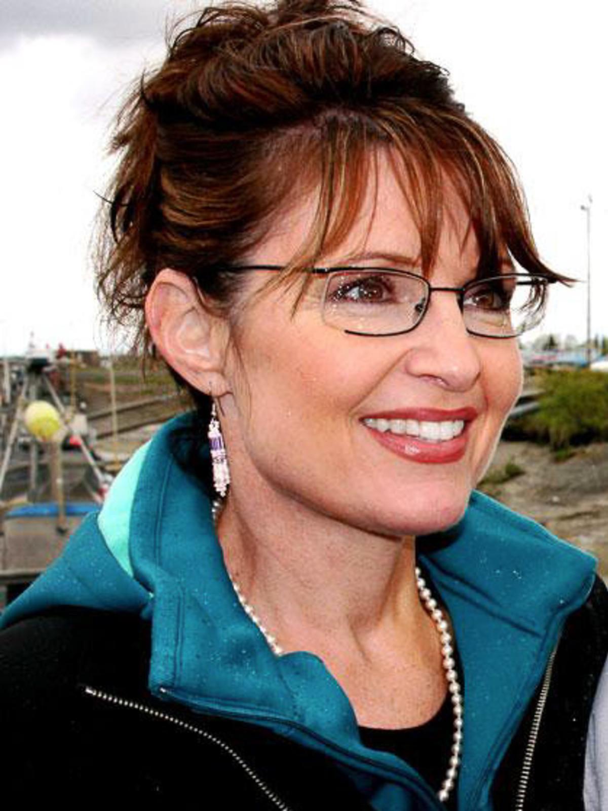 News_Sarah Palin_closeup_blue warmup