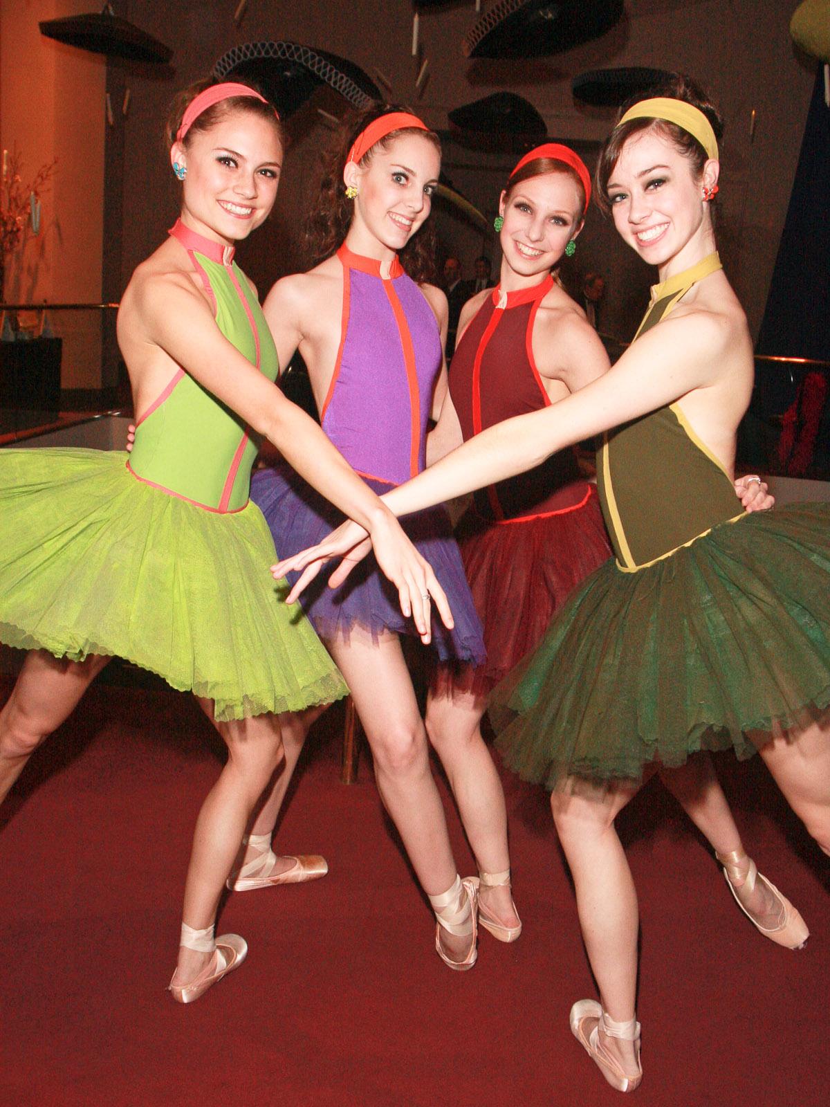 News_Ballet Ball_Feb. 2010_Houston Ballet II_dancers_036