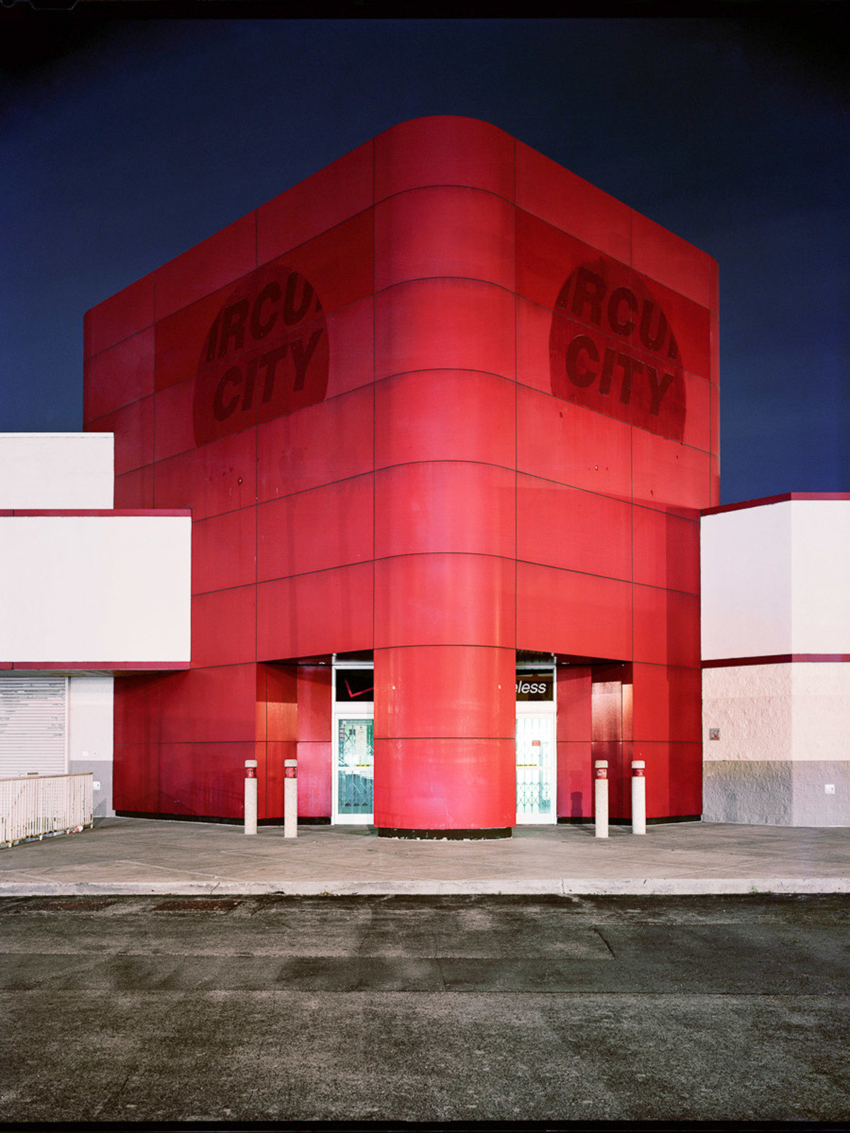 News_FotoFest 2010_Road to Nowhere_Brian Ulrich_Circuit City_2008