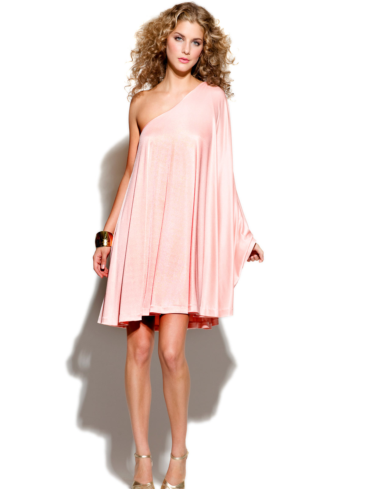 News_Heather Staible_Sex and the City_Halston Heritage_pink dress