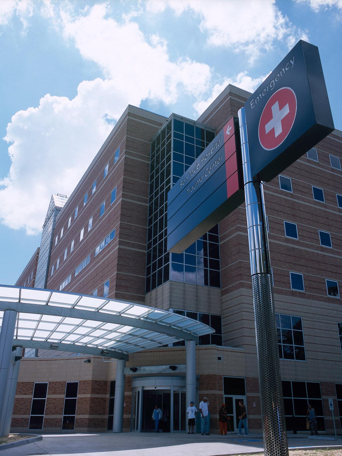 News_Harris County Hospital District_Ben Taub_Emergency Center_entrance