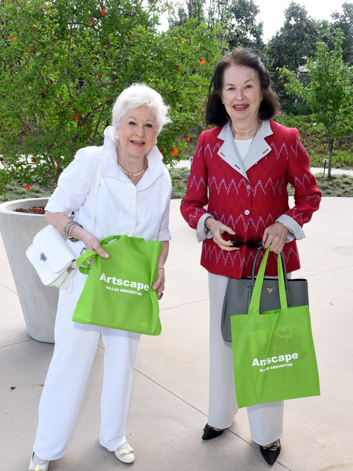 Patricia Meadows, Carol Hall
