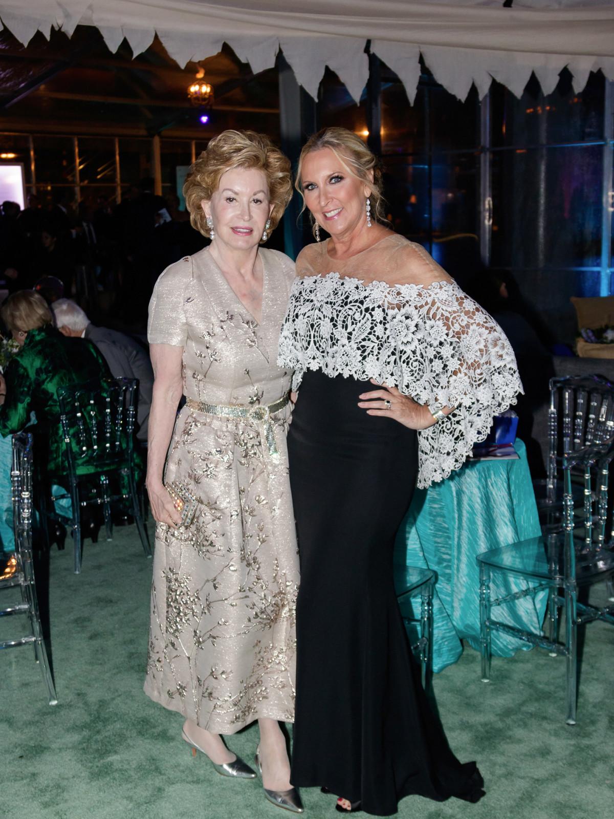 Phyllis Coit, Terri Phillips