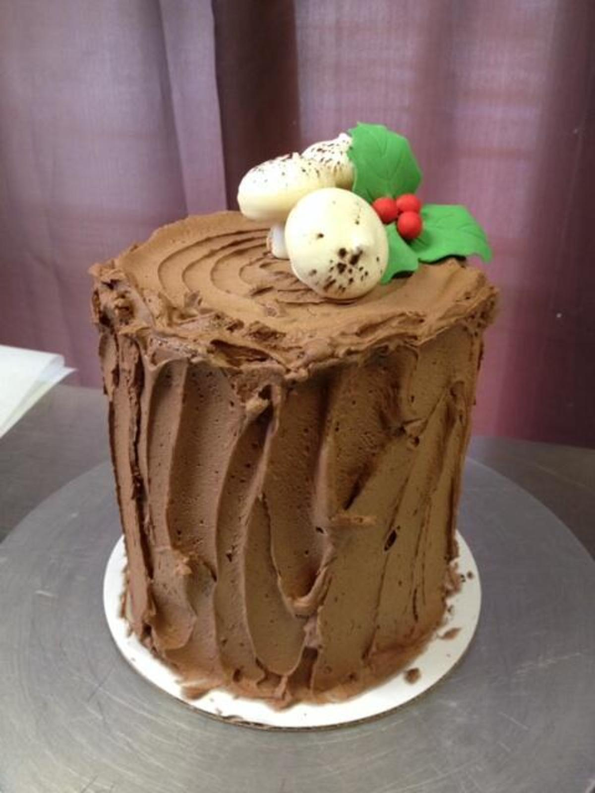 Stump de Noel by Fluff Bake Bar