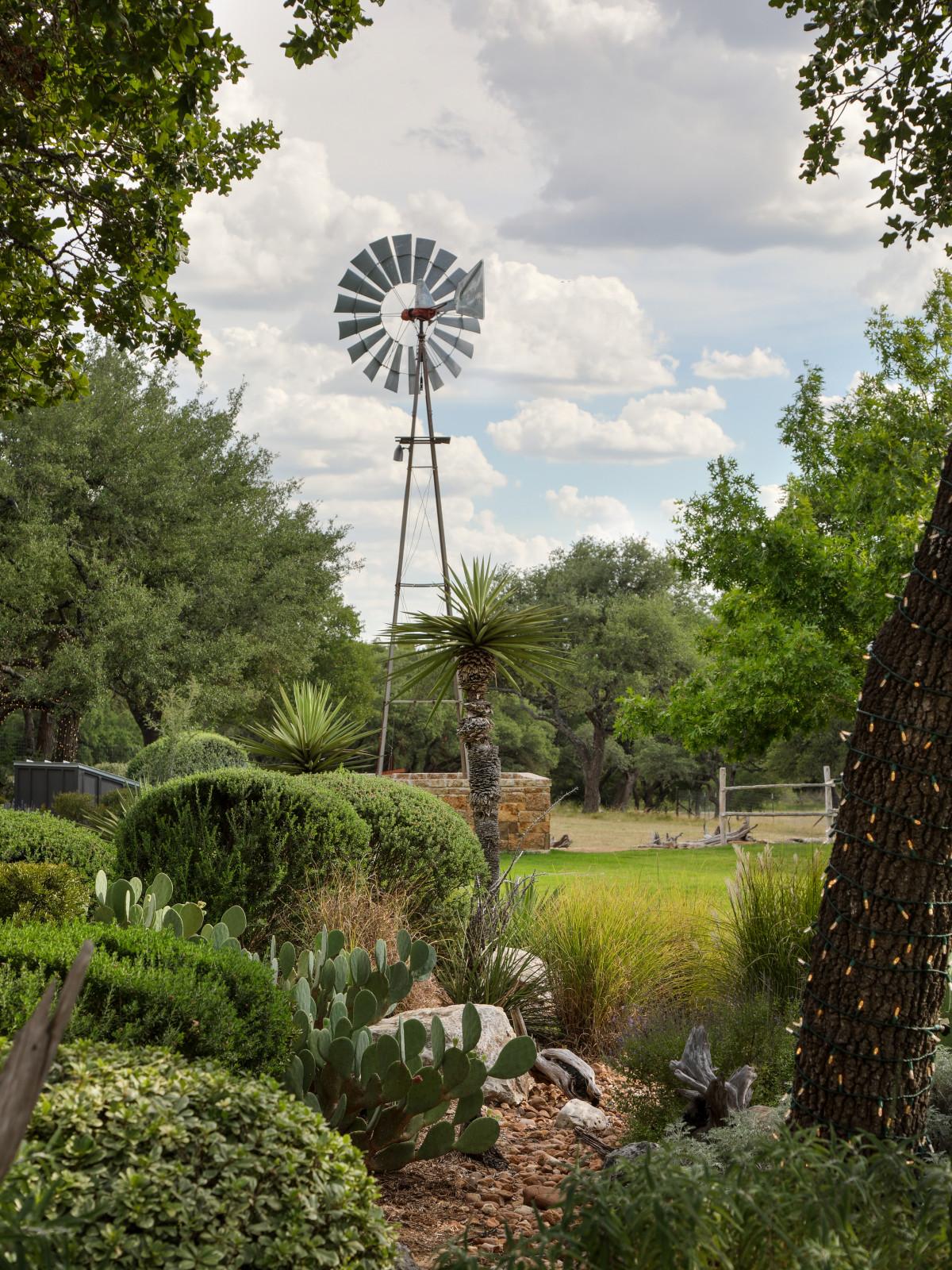 SA_ Branded T Ranch