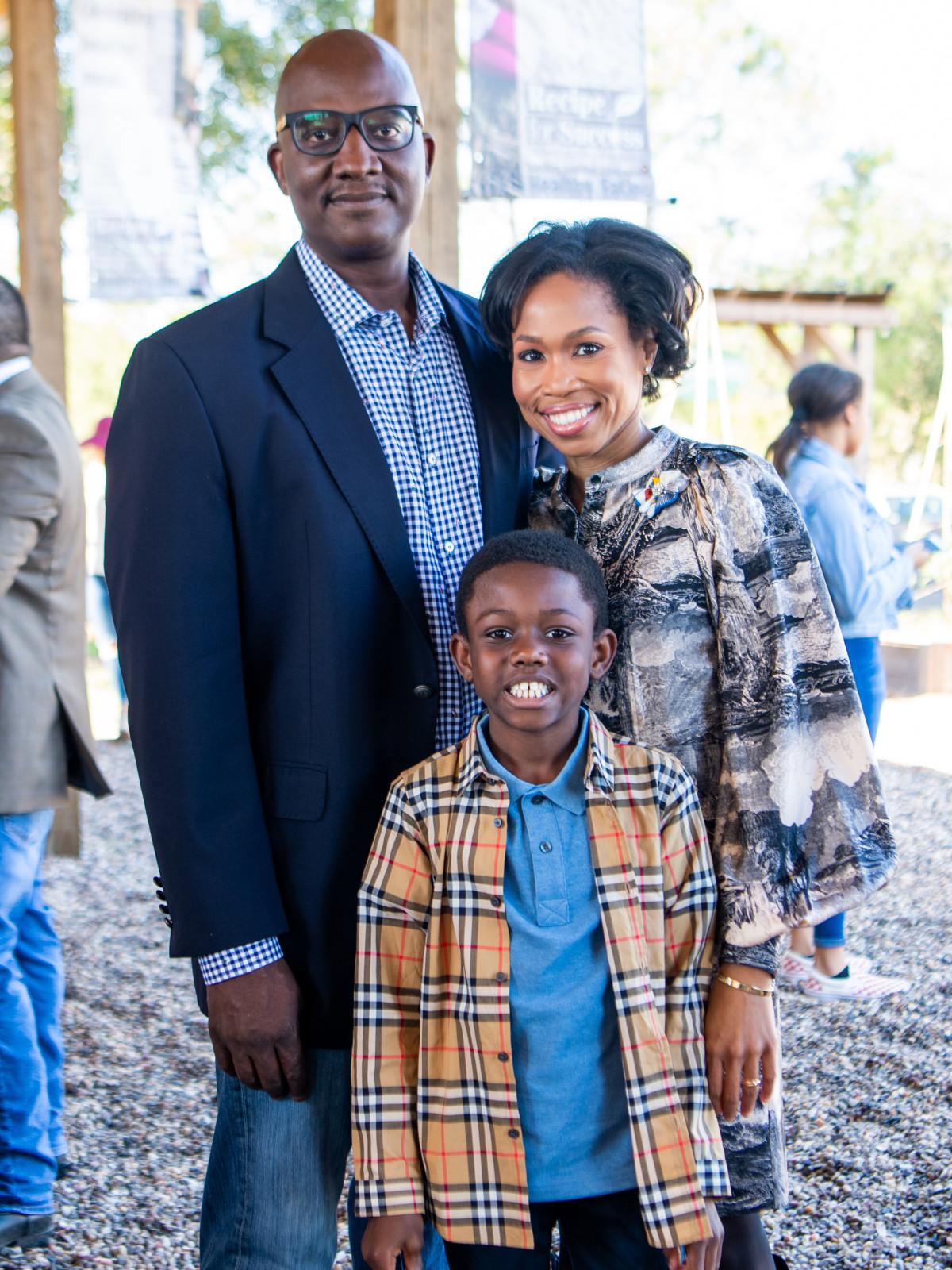 Fashion in the Fields 2019  Derrick Mitchell & Roslyn Bazelle Mitchell with son Derrick Mitchell_0172_RFSFashionInTheField_111019_MCW.jpg