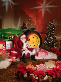 Hyatt Regency Lost Pines Resort & Spa presents Breakfast with Santa