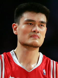 News_Yao Ming_uniform_sweating