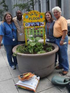 News_Joel Luks_community gardens_Downtown Houston Vegetable Container Garden Project