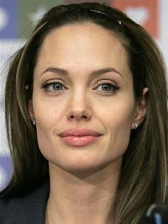 News_Joel Luks_Angeline Jolie