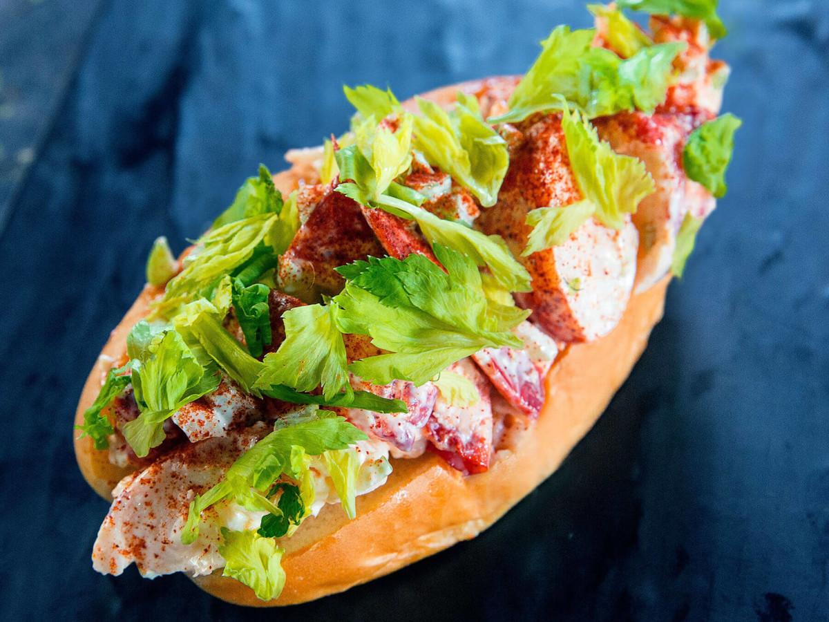 Shuck Shack restaurant San Antonio lobster roll