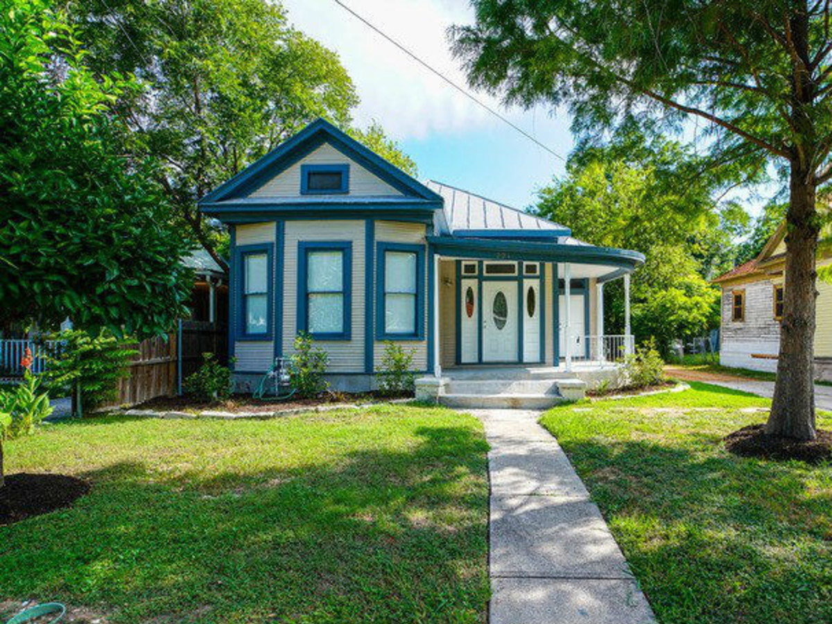 221 Carolina St. San Antonio home
