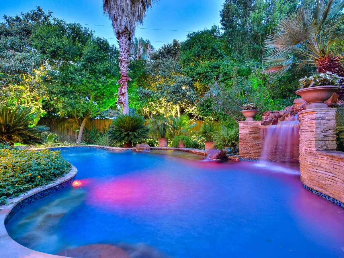 114 Gatewood Ct. San Antonio home pool