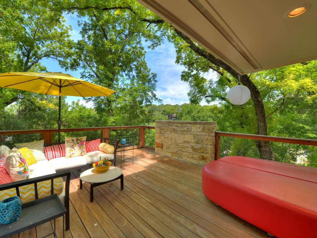 Austin home house 5932 Highland Hills Dr 78731 deck