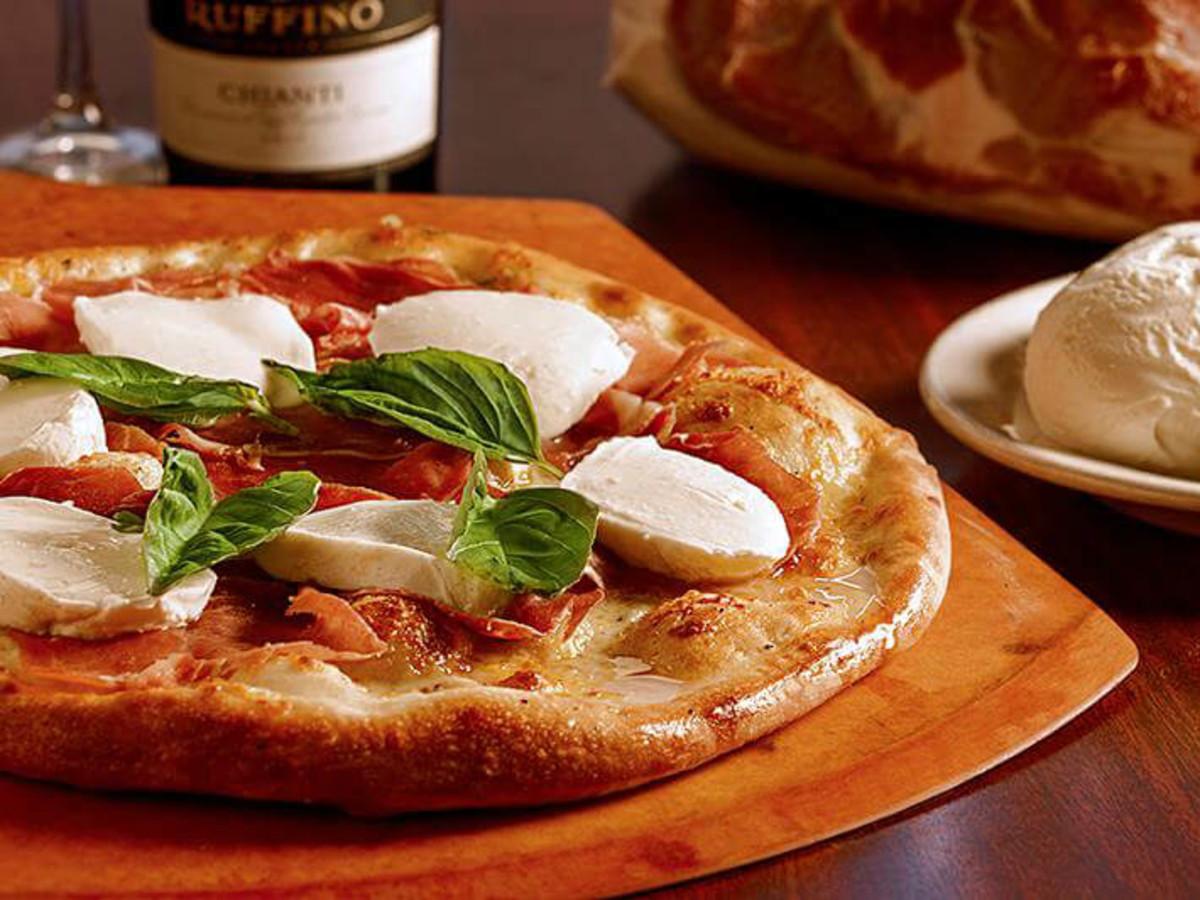 Russo's restaurant pizza