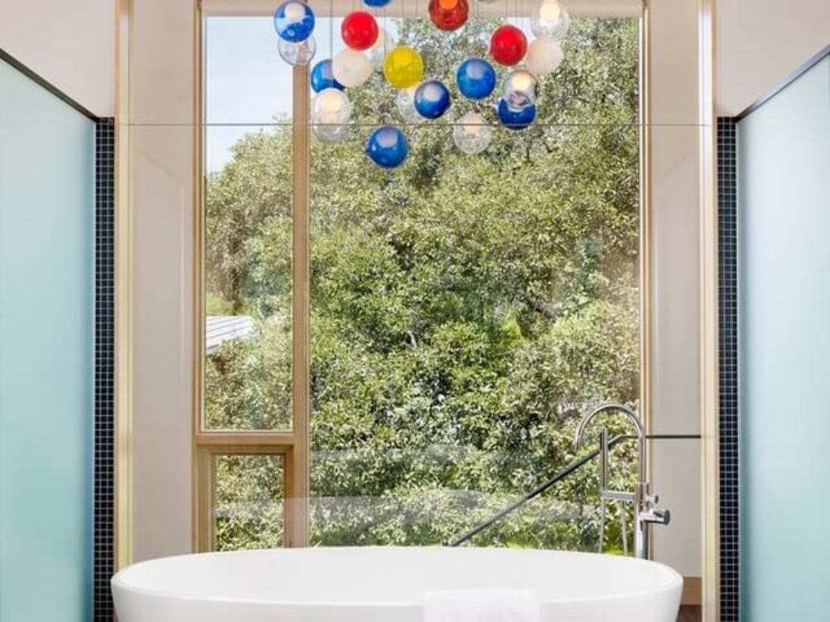 Austin house home Houzz modern Lake Austin bathroom tub