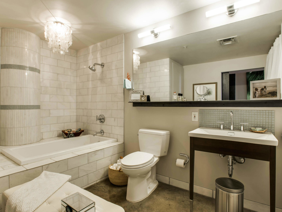 Bathroom at 1122 Jackson St. in Dallas