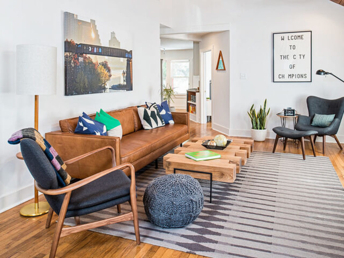 Austin entrepreneurs bungalow shapes up with midcentury modern style
