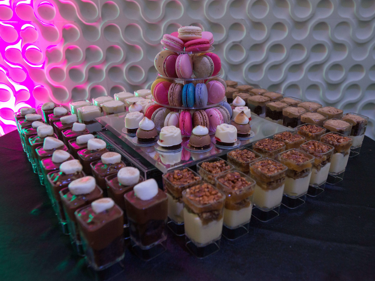 Houston, RYDE/Rose Foundation event, Oct. 2016, desserts from Dolce Delights and Macaron by Patisse