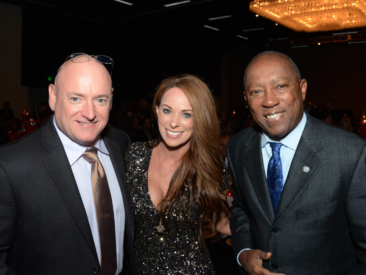 Houston, Crime Stoppers of Houston gala, Nov. 2016, Scott Kelly, Amiko Kauderer, Mayor Sylvester Turner