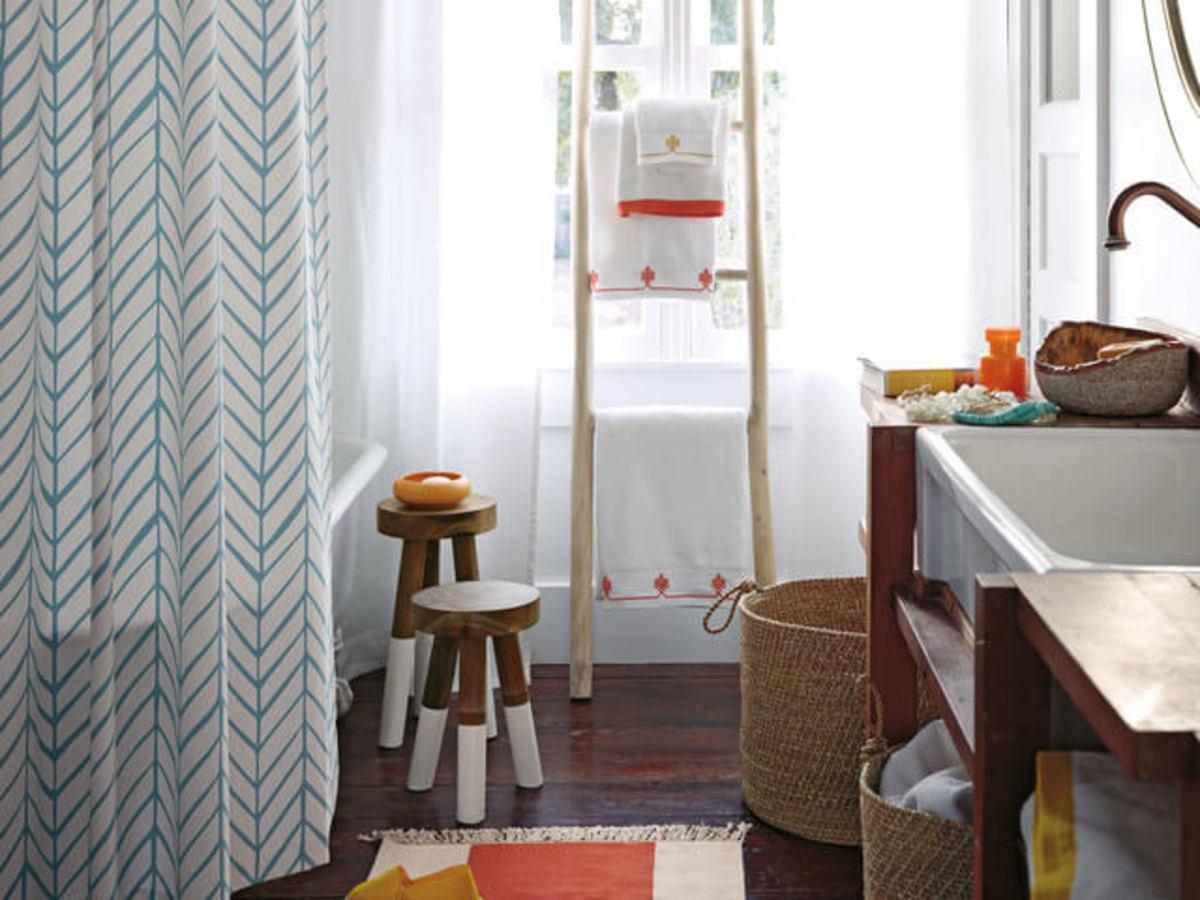 Rustic bathroom idea with ladder shelving