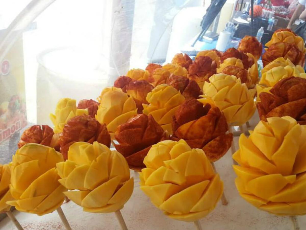 Fruteria Cano San Antonio fruit shop mango