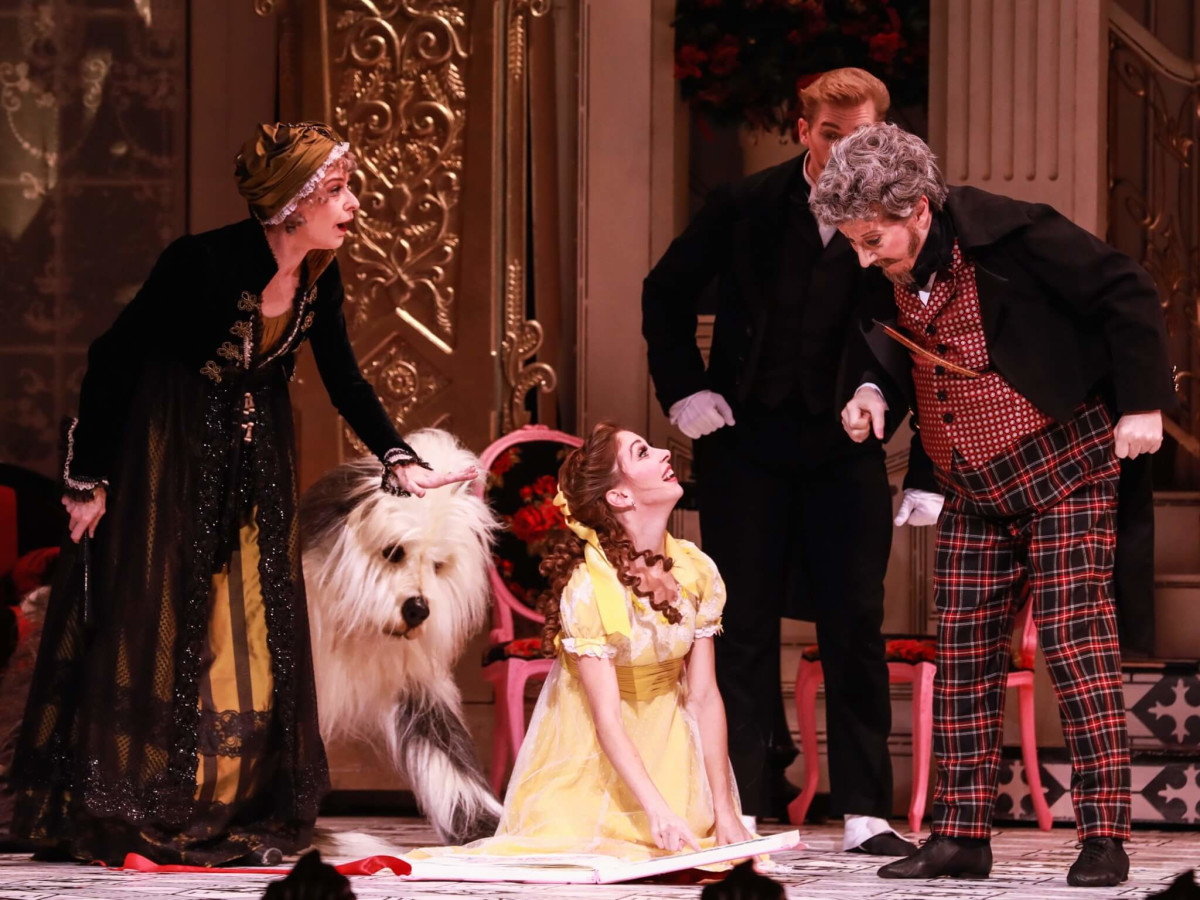 Melody Mennite as Clara and the cast of The Nutcracker Houston Ballet